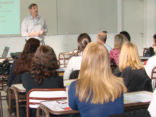 ACAP: Talleres de capacitación externa a instituciones educativas
